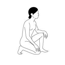 片膝を立てて座る